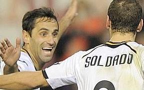 El Valencia se cena a un Betis muy blando y casi se asegura un puesto en Liga de Campeones (4-0)