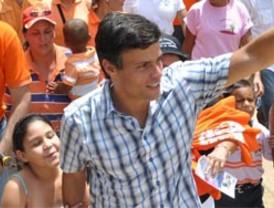 Leopoldo López le ganó terreno al oficialismo y subió 9 puntos