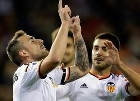 Copa: el Valencia sufre para eliminar al Rayo en un partido loco en Mestalla (4-4)