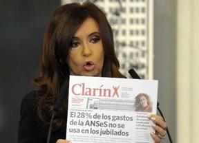El gobierno de Fernández de Kirchner se revuelve ante el nuevo pulso de Clarín