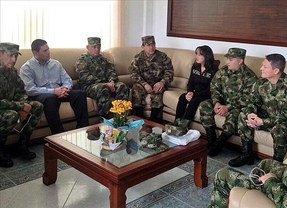 Las FARC liberan al general Alzate y sus dos acompañantes