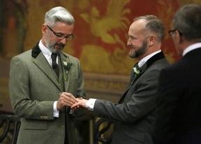 Con un gobierno conservador, Reino Unido se une a los países que permiten el matrimonio homosexual