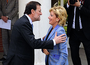 Rajoy expresa su reconocimiento por la trayectoria de Esperanza Aguirre