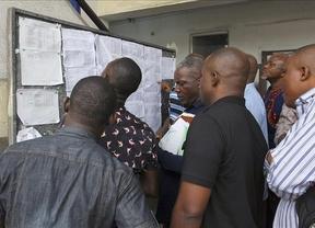 Explota una bomba junto a un colegio electoral en Nigeria y la Policía detona otras cinco