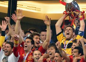 Messi, Cristiano, Falcao y 7 jugadores de la Roja entre los 23 candidatos al Balón de Oro
