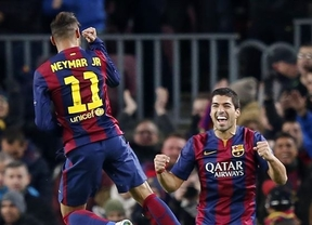 El tripelete mágico de Messi, Neymar y Suárez remonta al PSG y sube al Barça al primer puesto del grupo (3-1)