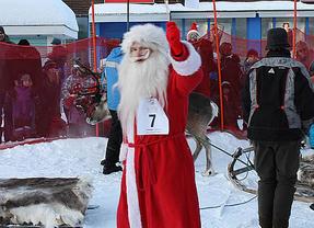 Papá Noel se pone en forma antes de la campaña de Navidad