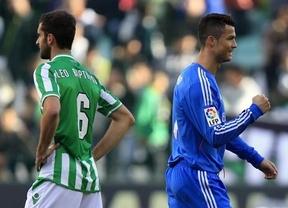 El Madrid humilla y abusa de un paupérrimo Betis, y mete presión a los colíderes Barça y Atleti