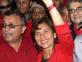 Fernández llama a Lula y Bachelet para interceder en Bolivia