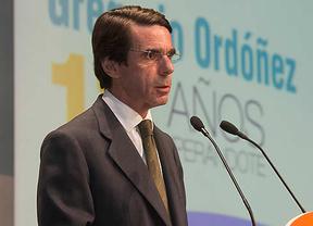 Aznar 'reaparece' este lunes en el Congreso, ¿volverá a criticar a Rajoy?