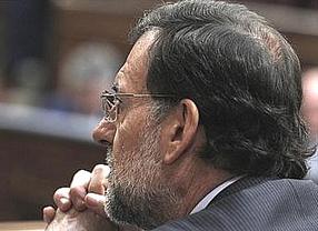 Rajoy, Cospedal y cinco ministros están en Génova para seguir el recuento