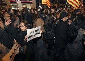 Manifestaciones en todo el país durante la noche del sábado y esta mañana acosan al PP