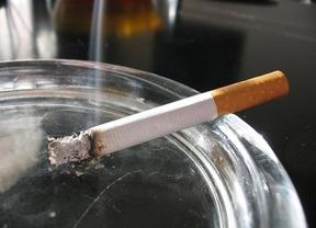 Más subidas en el tabaco: las cajetillas de 'Marlboro', 'Chesterfield' y 'L&M' costarán 25 céntimos más desde este jueves