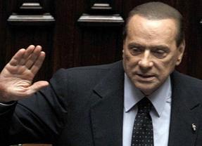 Italia dice adiós a su etapa de un Berlusconi que cumple su promesa y dimite