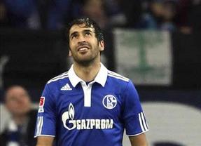 Raúl se une a 'La Roja'... como aspirante al título oficial de Mejor Jugador de Europa que otorga la UEFA