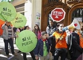 Los promotores de la ILP antidesahucios 'retiran' su propuesta porque consideran que el PP la desvirtuó
