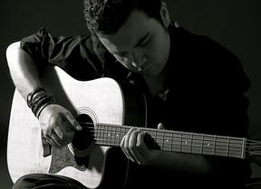 Kike Ruiz 'ariesga con imposibles' en la nueva etapa en su carrera con pop de calidad