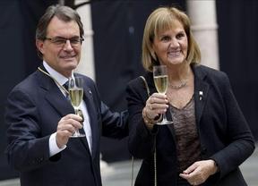 La presidenta del Parlament catalán acusa de 'provocador' a Morenés e insta a no hacerle caso