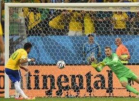 El árbitro y un pésimo portero croata regalan la victoria a un Brasil vulgar (3-1) en el inicio de 'su' Mundial
