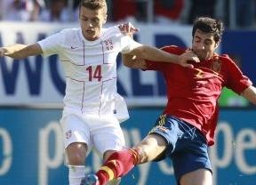Una Roja llena de debutantes cumple y se impone con facilidad en el amistoso frente a Serbia (2-0)
