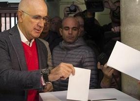 Duran vota 'no' a la independencia de Cataluña y reclama una mesa de diálogo
