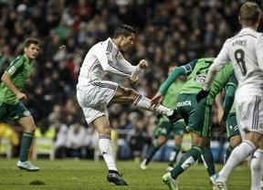 Otro triplete de Cristiano aumenta el récord del Madrid a 18 victorias seguidas ante un Celta asustado (3-0)