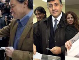Los líderes políticos acuden a las urnas animando a la participación electoral