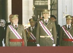Posiblemente, la última imagen pública de don Juan Carlos como Rey junto a su todavía heredero, Felipe