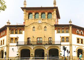 La alcaldesa y la edil de Cultura de Mungia (Bilbao) dimiten para no colocar la bandera española en el Consistorio
