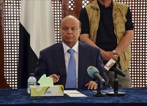 Los hutíes toman el control del aeropuerto de Taiz y envían fuerzas a Adén, donde reside el presidente