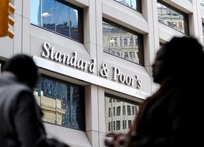 Ni un día de descanso: Standard & Poor's cree que la zona euro tiene un 40% de posibilidades de caer en recesión