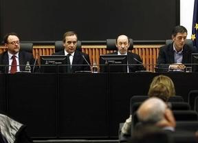 Rubalcaba pide a sus parlamentarios no hacer una oposición