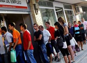 Báñez afirma que los incentivos al empleo juvenil están dando oportunidades a 390.000 jóvenes