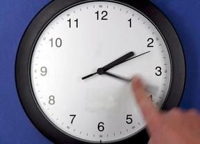 Un domingo con 25 horas: a las 3 de la madrugada hay que retrasar el reloj hasta las 2
