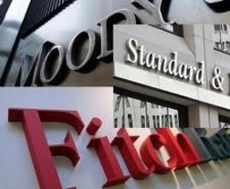 Las agencias (des)calificadas: Estados Unidos coloca a S&P y Moody's bajo la lupa