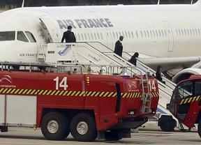 Ingresa en el hospital Carlos III el viajero procedente de Nigeria que llegó a Barajas con fiebre y temblores