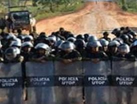 Marchistas piden agua y víveres mientras bloqueadores amenazan