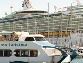 Dos cruceros vuelven a llenar las calles de turistas extranjeros