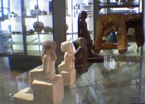 La misteriosa estatua egipcia que gira sola