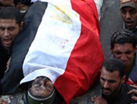 Egipto sigue sumida en el caos: la revuelta popular ha dejado ya más de 100 muertos