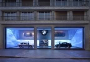 Las marcas premium apuestan por especialistas para vender sus coches
