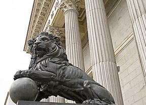 La oposición da plantón al PP por la vertiginosa tramitación de la ley de tasas judiciales
