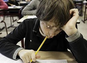 Los niños se quedan sin pupitre: embargo a un colegio de Madrid en plena clase