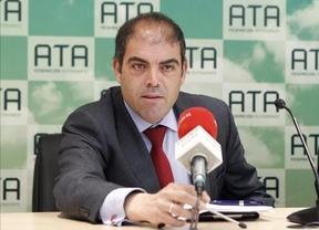 Hacienda trabajará con la Federación de Autónomos para identificar y eliminar trabas burocráticas al emprendimiento