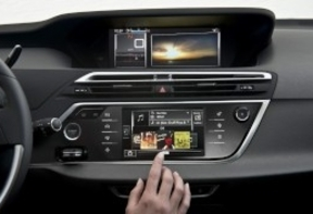 BMW advierte que hay una lucha por los datos personales en los coches conectados