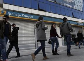 Rescate de película: Chipre vuelve a abrir los bancos poniendo fin este mediodía al primer corralito de la Unión Europea