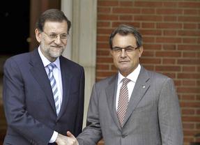 Encendido enfrentamiento de Rajoy con CiU en el Senado a cuenta de la consulta
