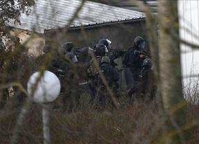 París recupera la calma tras un día infernal: abatidos los tres yihadistas
