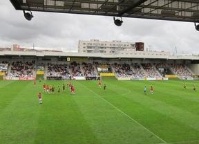 La Liga de Futbol Profesional 'pasa' del Gobierno: no dejará entrar a las radios en los estadios
