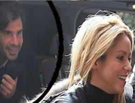 Shakira aparece en público con su ex, Antonio de la Rúa